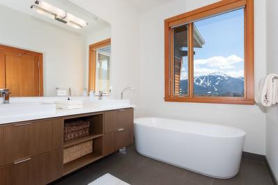 R8 Bath 1A
