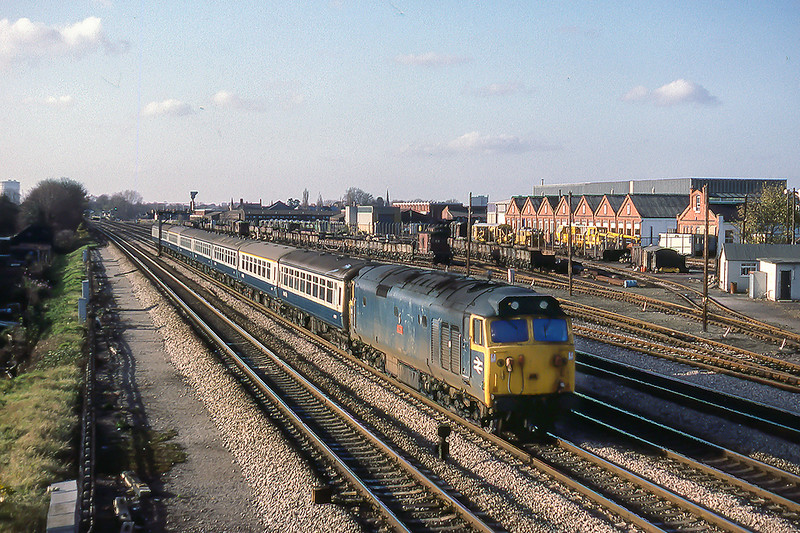 26th Nov 1982:  Passing the Plasser plant at West Ealing is 50002 'Superb' powering the 07.05 from Hereford to Paddington.
