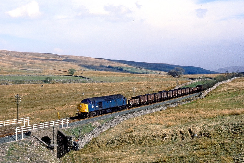 26th Apr 82:  40028 'Samaria' starts down the grade from Ais Gill with a freight for Carlisle