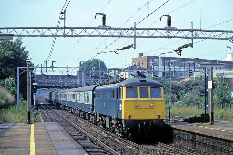 "31st Jul '82: 86221 ""Vesta"" southbound through Watford. 12.33 Blackpool North to Euston"