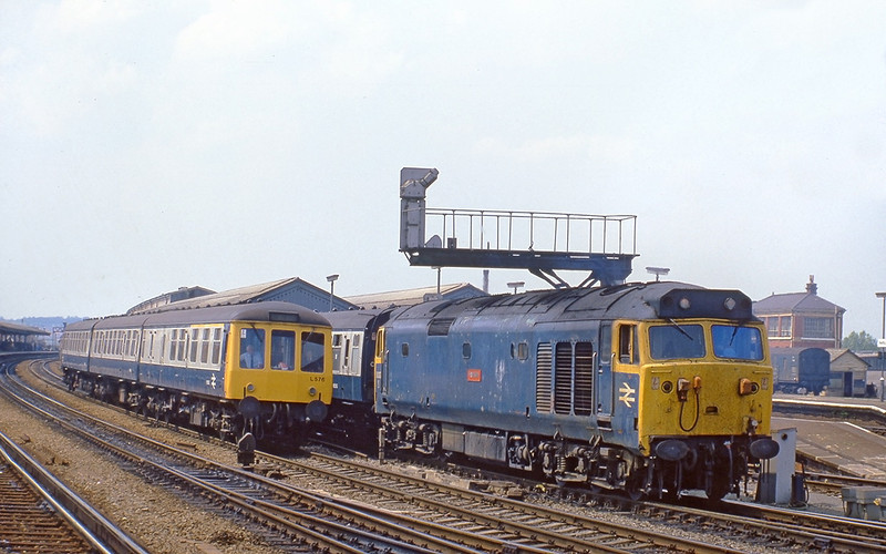 5th Jun 82:  50007 'Hercules' starts away from Reading with an express from Torquay.  the DMU will eventually go to Tonbridge