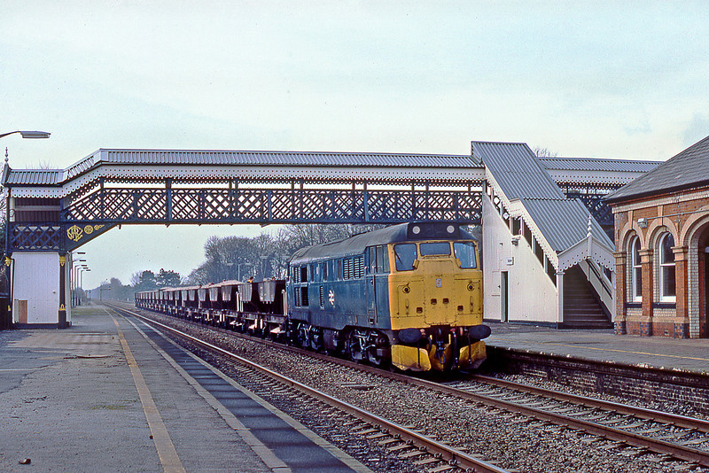 25th Jan 83:  31304 runs up the Main through Taplow with loaded ballast wagons