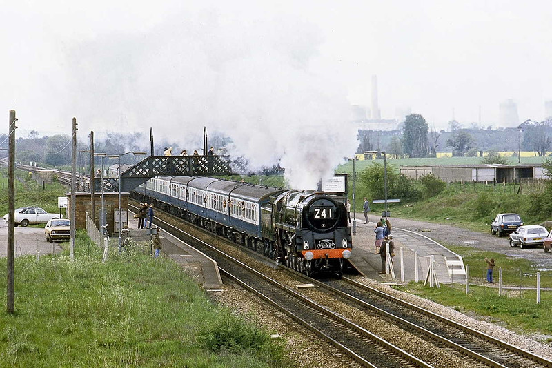 17th May 83:  BR 9F 92220 'Evening Star' working a rail tour from Didcot to the Severn Valley pounds through Radley