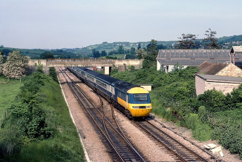 6th Jun 83:  The 16.05 from Paddington to Briston Temple Meads passes the site of Bathampton Station