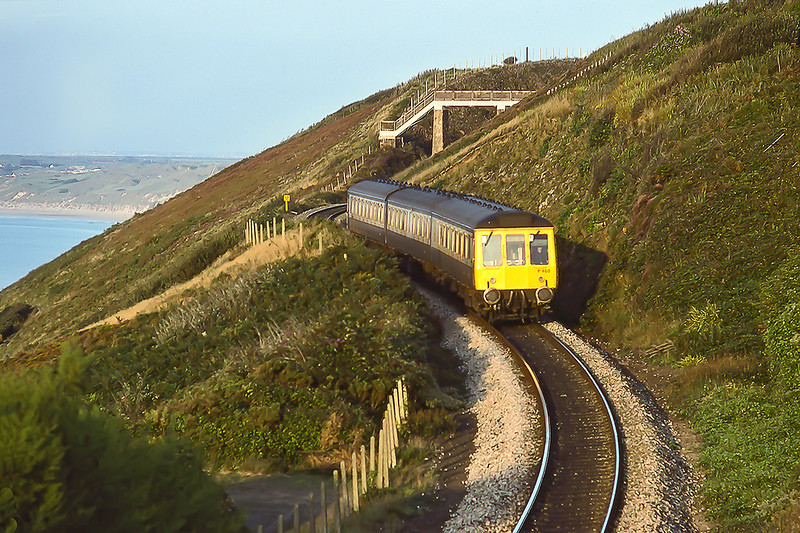 1st Sep 1984:  Pictures rounding the curves intgo Carbis Bay is set P460 is forming the 19-05 from St Erth to St Ives
