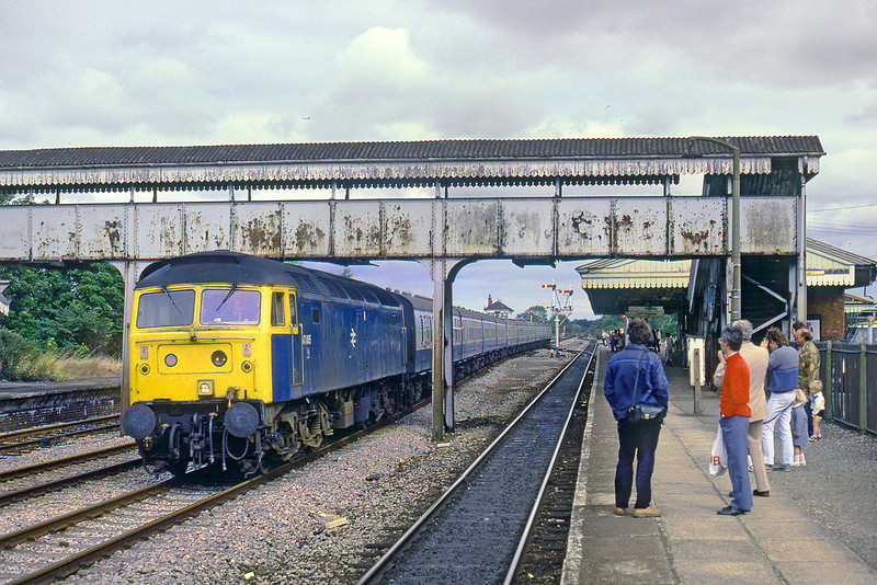 1st Sep 85:  47565 takes the through road at Princes Risborough with a non scheduled service from the north