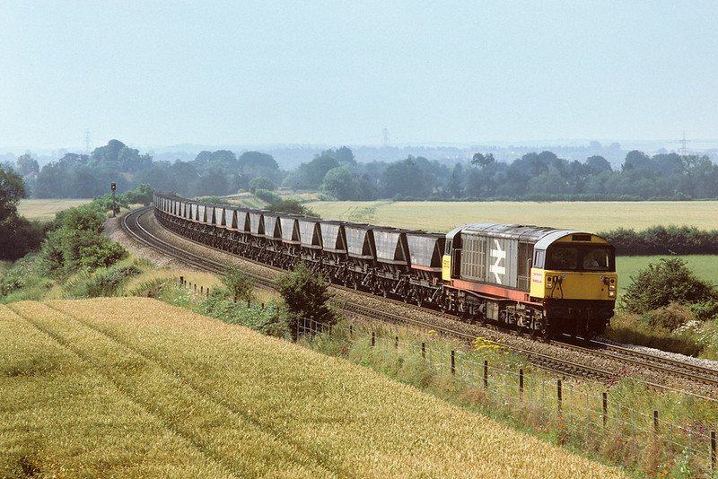 24th Jul 1985:  Returning HAA's in the hands of 58013 nearing Culham