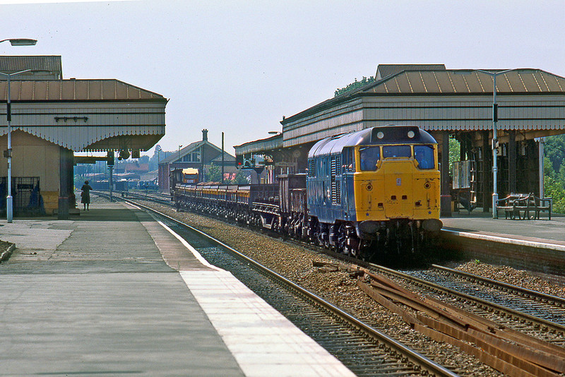 3rd July 85:  A short engineers train in the hands of 31165 plods towards London through Maidenhead