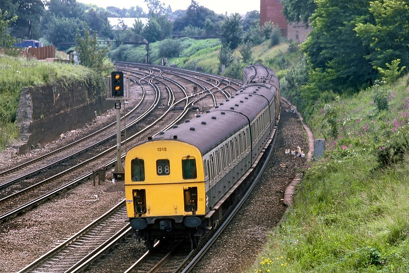 17th July 85:  Class 207 DMU 1315 approaches Clapham Junction with a train from Uckfield