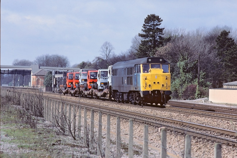 2nd Apr '85:  31130 rushes up the main line through Taplow with trucks from the Ford Factory in Langley to Daggenham. They will have been loaded at Maidenhead
