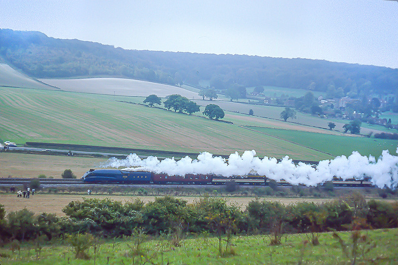 26th Oct 1986:  A crap day  but it is the worlds fastest steam locomotive doing what it was built to do.  Move passengers from A to B.  LNER A4. 4468 'Mallard' is on the grade up to Saunderton as it works to Stratford  from Marylebone