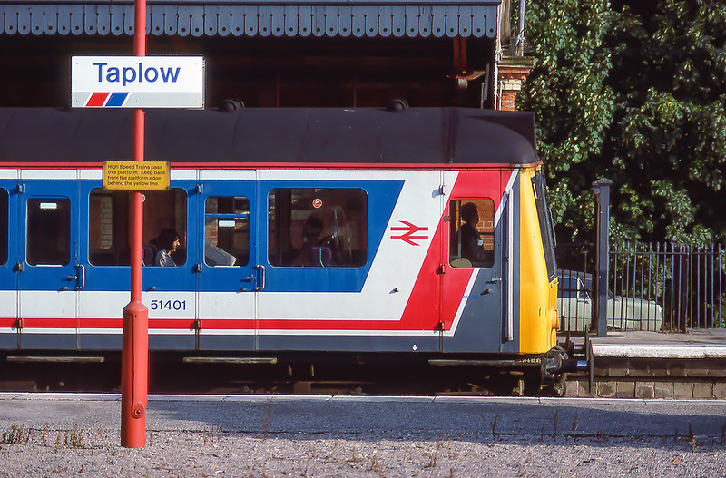 7th Sep 1988:  A simple livery that I have always  thaught worked perfectly on DMU/EMU sets .  Class 117 DMS 51401 is standing in the Up Platform with a Paddington service.  I love the style of the canopy edging, you do not get that any more.