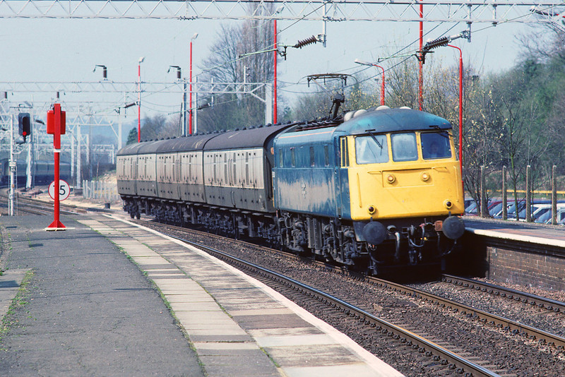 31st Mar '89:  85030 and a few vans head south