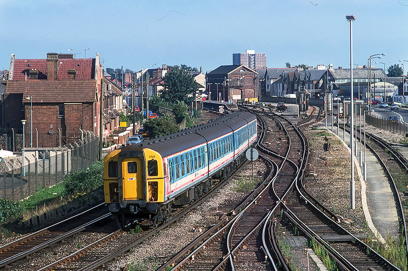16th Aug 1989:  4 CIG, Class 421,  421727 is pictured as it leaves  Littlehampton.   My record does not show where ther train was going too