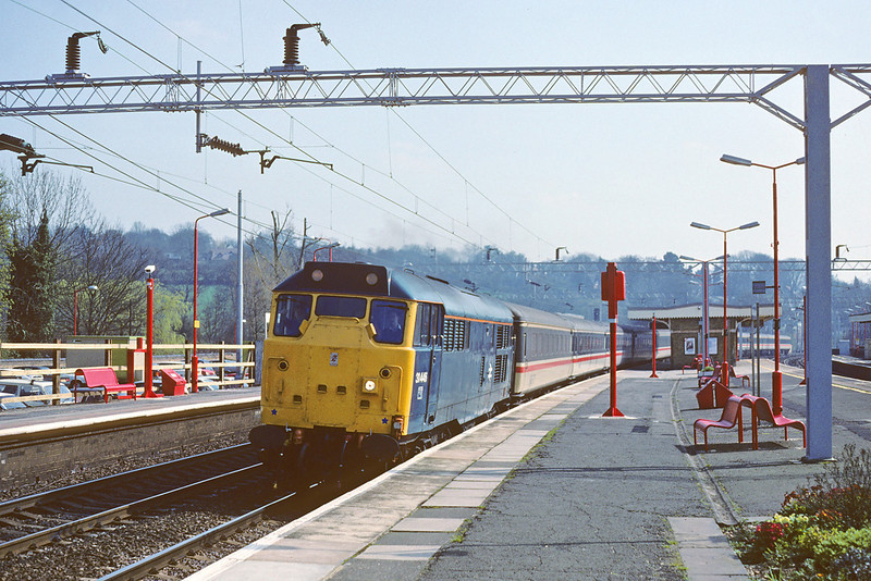 31st Mar '89:  31446 growls north through Berkhamsted with an ECS working