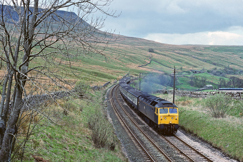 13th May '89: 47417 clags the last stretch to the summit at Ais Gill with the morning Carlisle to Leeds