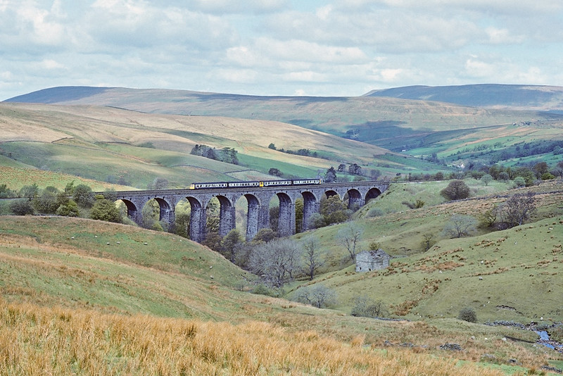 13th May '89:  Dent Head Viaduct and 2 x 2car DMUs looking lost!