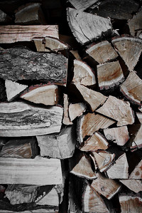 Close-up of firewood With two stacking patterns
