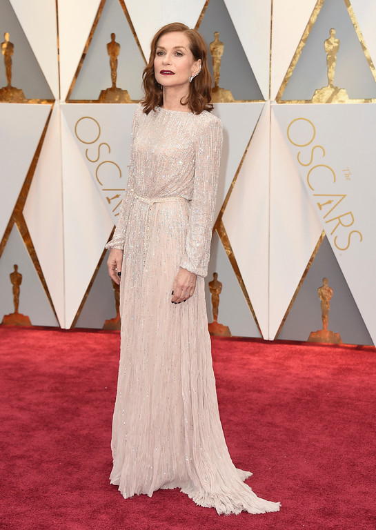. Isabelle Huppert arrives at the Oscars on Sunday, Feb. 26, 2017, at the Dolby Theatre in Los Angeles. (Photo by Jordan Strauss/Invision/AP)