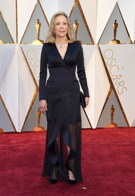 . Faye Dunaway arrives at the Oscars on Sunday, Feb. 26, 2017, at the Dolby Theatre in Los Angeles. (Photo by Jordan Strauss/Invision/AP)