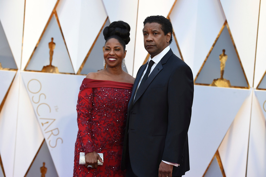 . Pauletta Washington, left, and Denzel Washington arrive at the Oscars on Sunday, Feb. 26, 2017, at the Dolby Theatre in Los Angeles. (Photo by Jordan Strauss/Invision/AP)