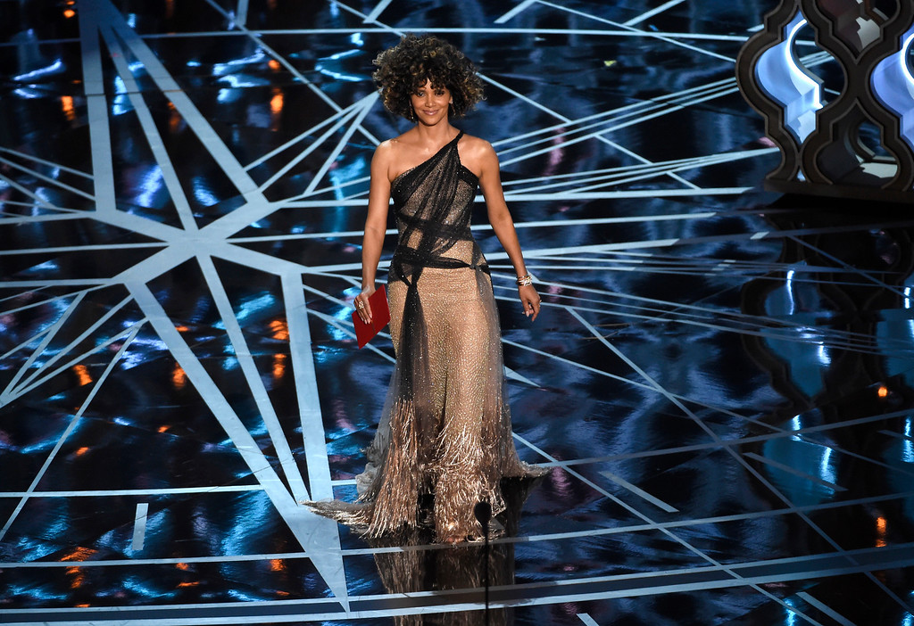 . Halle Berry presents the award for best director at the Oscars on Sunday, Feb. 26, 2017, at the Dolby Theatre in Los Angeles. (Photo by Chris Pizzello/Invision/AP)