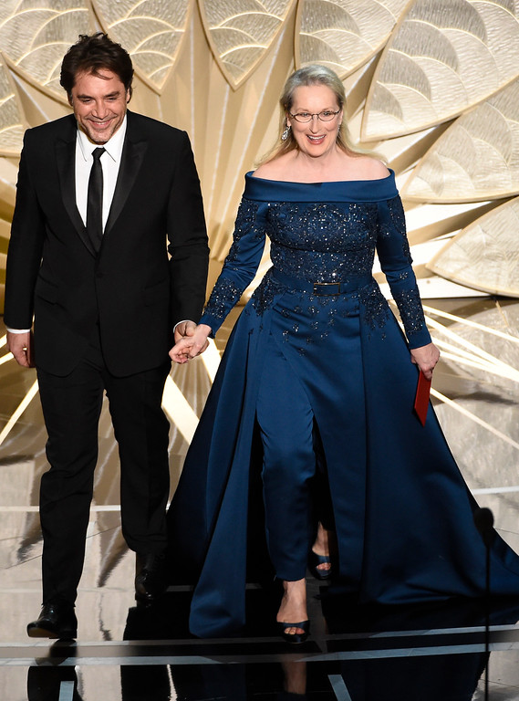 . Javier Bardem, left, and Meryl Streep present the award for best cinematography at the Oscars on Sunday, Feb. 26, 2017, at the Dolby Theatre in Los Angeles. (Photo by Chris Pizzello/Invision/AP)
