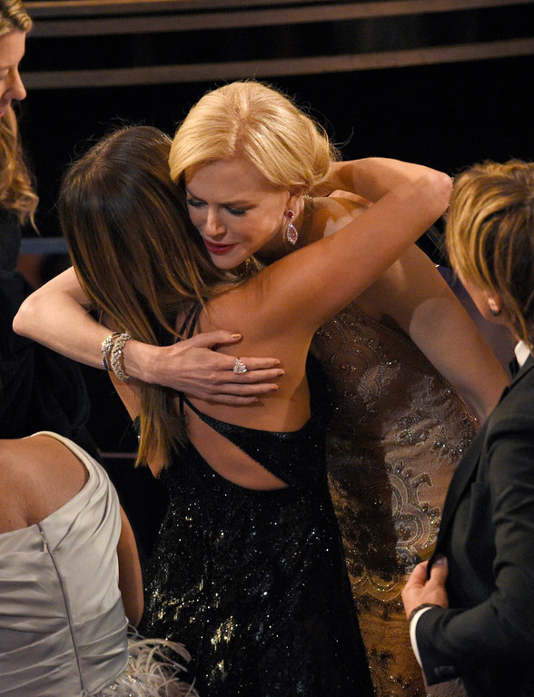 . Jennifer Aniston, left, and Nicole Kidman hug in the audience at the Oscars on Sunday, Feb. 26, 2017, at the Dolby Theatre in Los Angeles. (Photo by Chris Pizzello/Invision/AP)