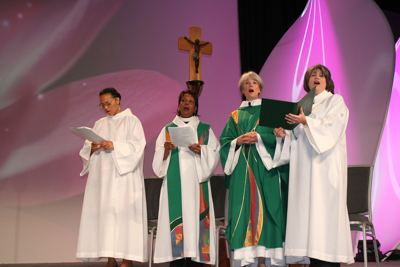 Worship leaders at Friday morning opening service lift voices in song!<br /> (BMcB)