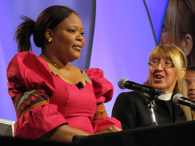 Leymah Gbowee and the Rev. Twila Schock respond to questions from participants. (BMcB)