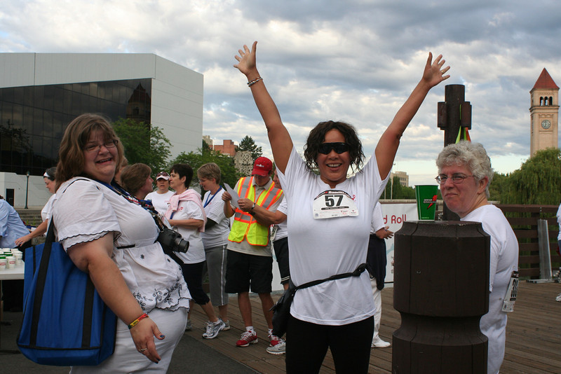 Lori Abraham (left) congratulates Desiree Cole and Judy Root after the run. (BMcB)