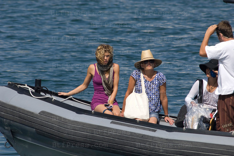 Los Angeles, California The cast of 90210 film an episode on a yacht. AnnaLynne McCord as Naomi clark (L) Photo by Michel Boutefeu