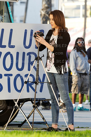 "Jessica Stroup,Jessica Lowndes,Shenae Grimes during the set of the Serie ""90210"" in Venice,California"