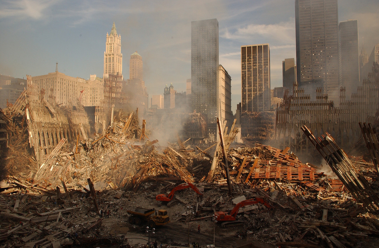 9/17/01  World Trade Center, NY <br /> Andrea Booher/FEMA