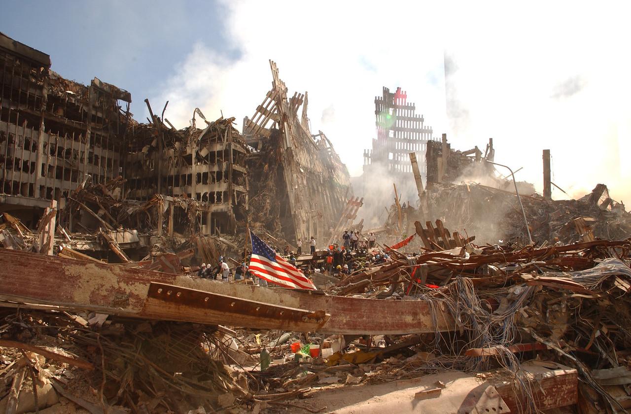 9/16/01  World Trade Center, NY<br />  Andrea Booher/FEMA