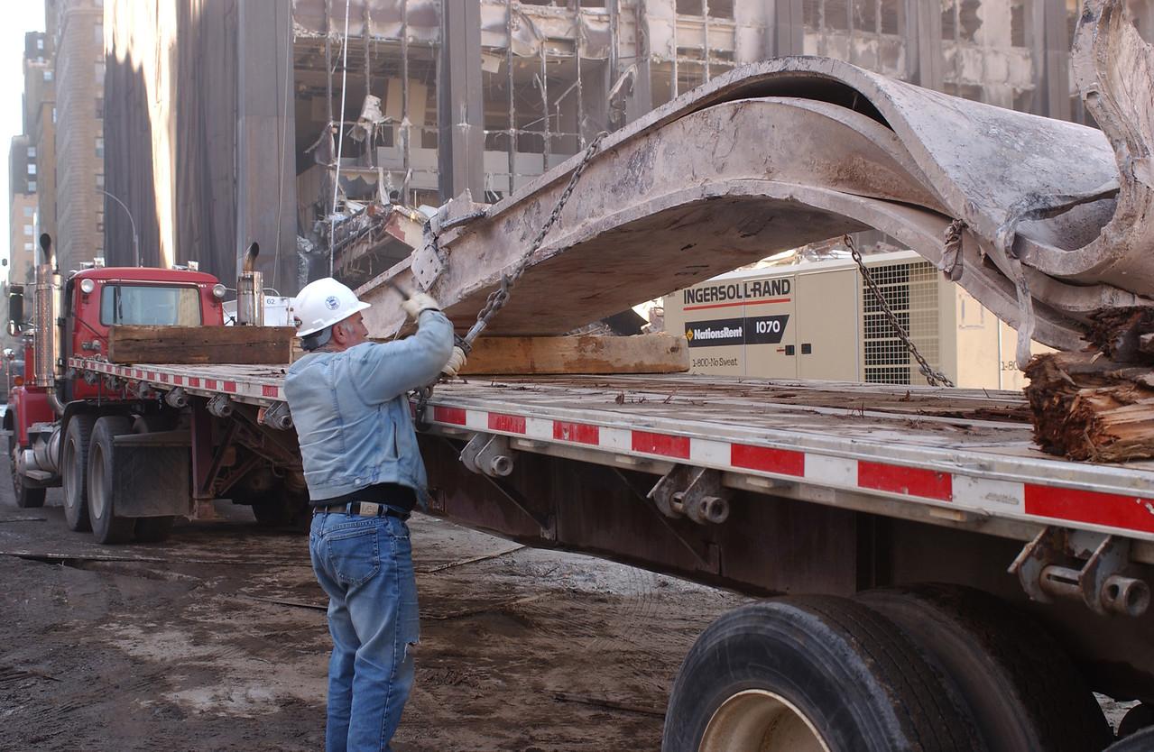 World Trade Center, New York 10-19-2001 <br /> Andrea Booher/FEMA