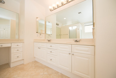 Andy Hawes Real Estate Photography 92-1393 master suite bath1