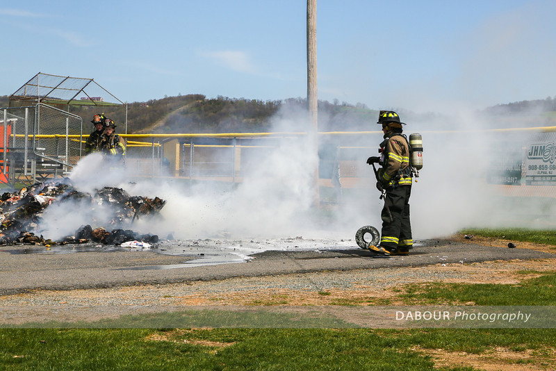 Garbage Pile Fire Stecker Field