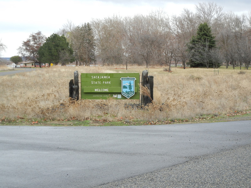 Entrance to Sacajawea State Park on the Washington state line.  This park is only only from May to September each year due to the freezing temperatures.