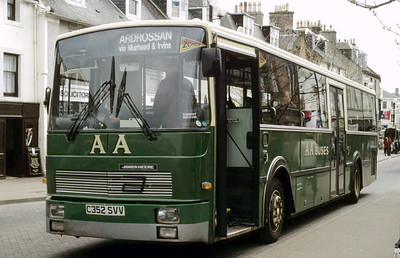 AA Motor Svces C352SVV High St Irvine Apr 94