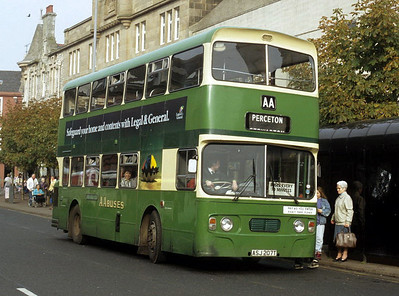AA Motor Svces ASJ207T High St Irvine Oct 91