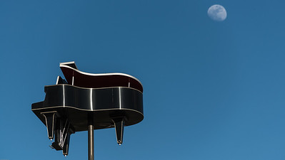 2016-02-18 Piano moonrise 1297-1