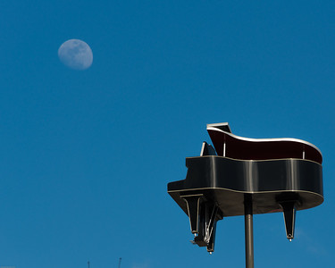 2016-02-18 Piano moonrise 1181-1