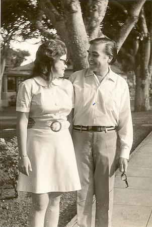 Manuel Maldonado Ferreira e filha Manela, Dundo, Maio, 1972