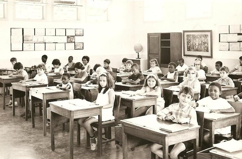Dundo, Sala de aulas, prof. sra do Videira Paula Firmino