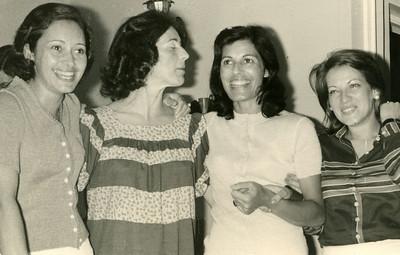 Fernanda Ricardo Figueiredo, ....?(mãe da Dora) , Margarida Faria (Mulher do Eng. Faria), Lorena Moura Ferreira