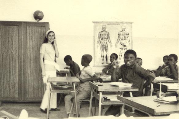 """Dundo, 1972 - Zelinha """"Adalberto"""" - -professora primaria nas escolas da """" Missao"""""""