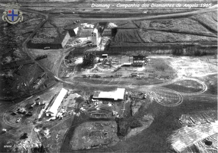 Vista aérea, Julho de 1965.  Trabalhos de montagem da segunda unidade de Separação Gravítica em Meio Denso.