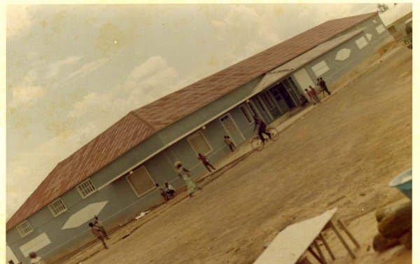 A Loja de auto-serviço (supermercado) inaugurada no Cafunfo no inicio de 1975.