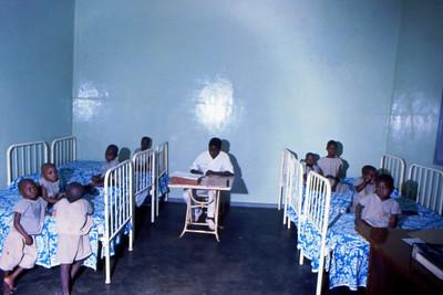 Pediatria, Dundo, 1973